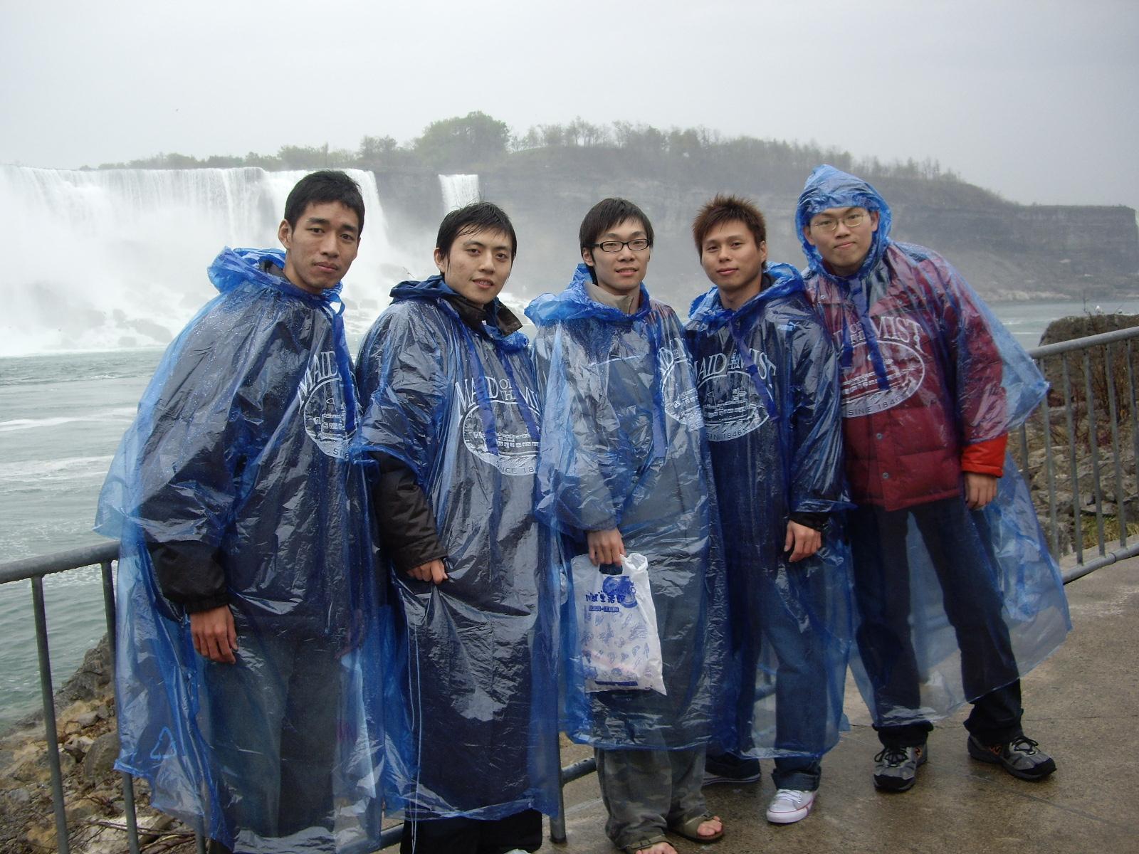 ISMRM 2008 尼加拉瓜瀑布前合影